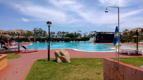 Rey Beach Club: Piscina