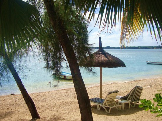 Cocotiers Seaside Boutik Hotel: plage en journée