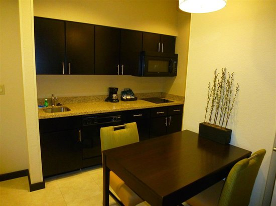 Homewood Suites Fort Worth West at Cityview: Kitchen