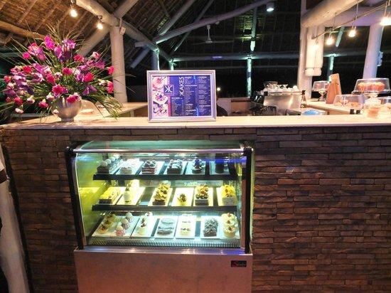 Karambezi Cafe: cakes
