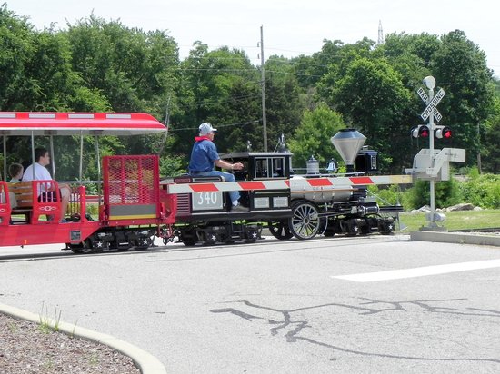 Museum of Transportation: Mini train ride