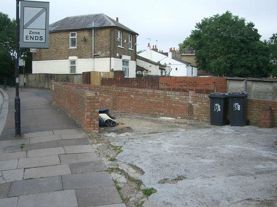 Old Oak Tree Inn: The neighbourhood.