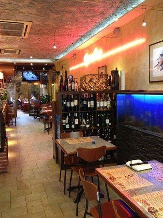 Groucho's Tapas Bar: Zona barra