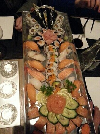 La Villa Sushi : plateau ' le magnifique ' pour 4 personnes