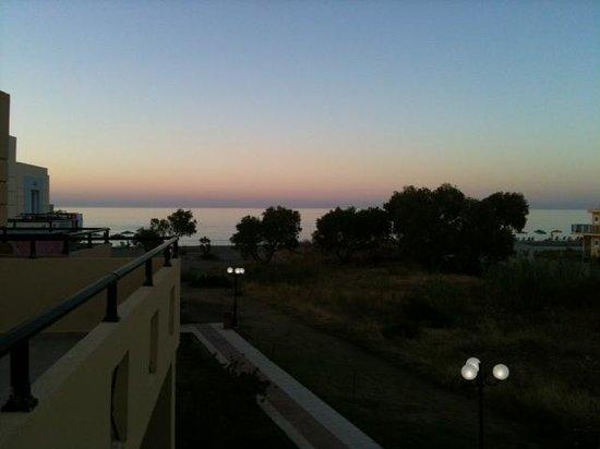 Creta Sun Hotel Apartments: Aftonhimmel från vår balkong