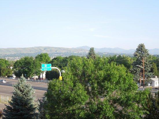La Quinta Inn & Suites Denver Southwest Lakewood: View from our room