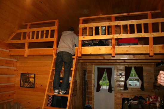 Salmon Creek Cabins : The loft