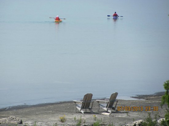 Acres on the Lake Bed and Breakfast: Guests bring there Kayak's to Acres on the Lake