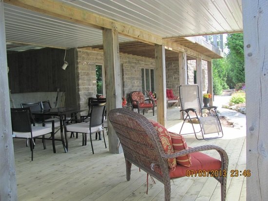 Acres on the Lake Bed and Breakfast: New 900 square foot shaded deck for guests to sit out of the sun