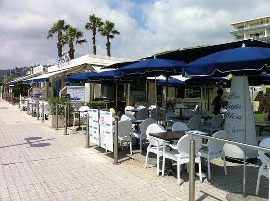 Le Café Bleu : .