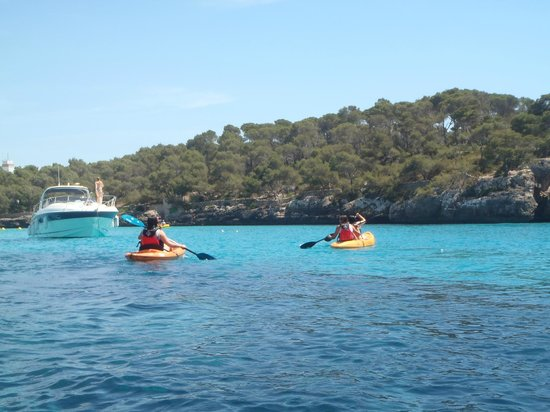 Nemar Kayaks: Excursion Cala Mondragó