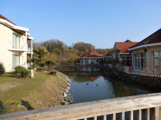 Pub picture of les jardins de beauval saint aignan for Hotel jardin de beauval