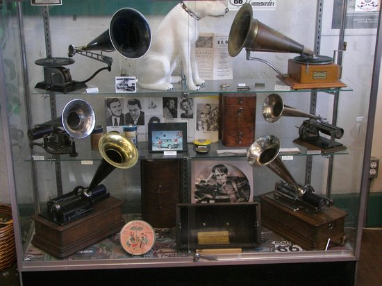 Historic Route 66 Museum: Phonographs