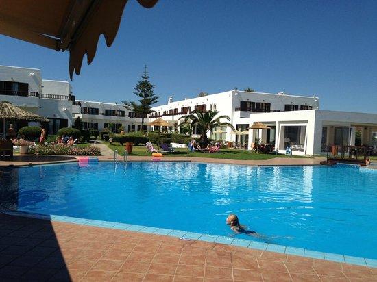 Geraniotis Beach Hotel: Zwembad