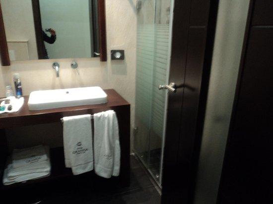 Hotel Granda: baño ático