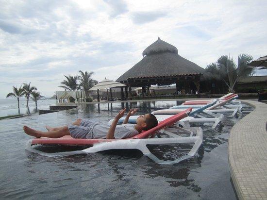Sol Pacifico Cerritos: poolside