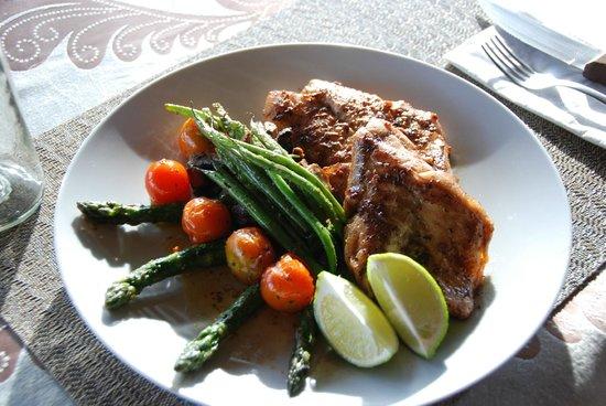 Sol Pacifico Cerritos: Antonio's cooking