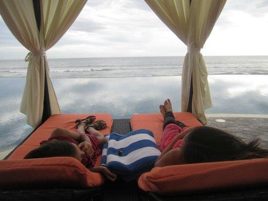 Sol Pacifico Cerritos: Poolside Cabana