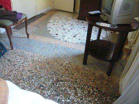 Casa Fornaretto: il pavimento