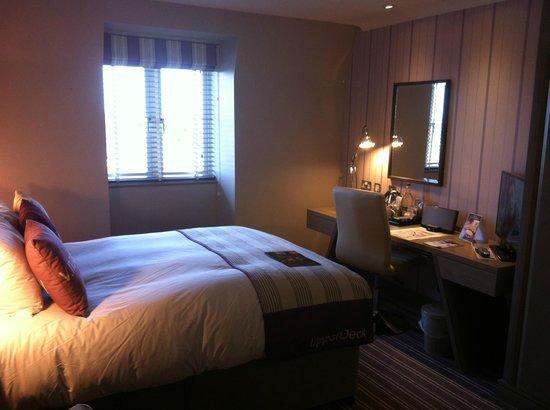 Village Hotel Bournemouth: Upper Deck room
