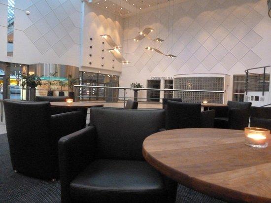 Radisson Blu Falconer Hotel & Conference Center: Hotel Foyer