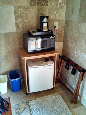 The Usonian Inn LLC: Microwave & Refrigerator