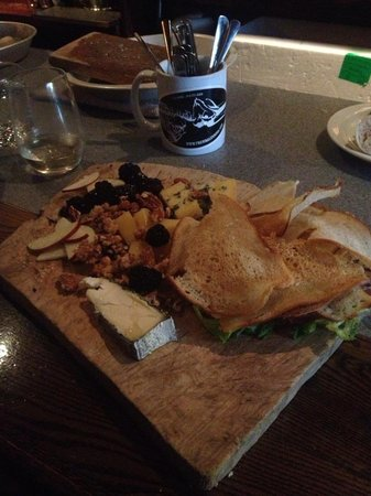 The Whalesbone Oyster House: cheese plate