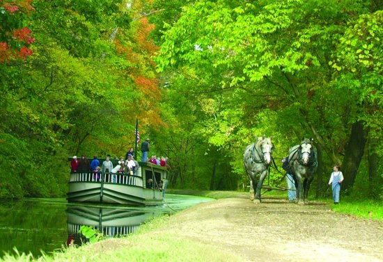 Coshocton, OH: Monticello III Canal Boat Ride in Historic Roscoe Village