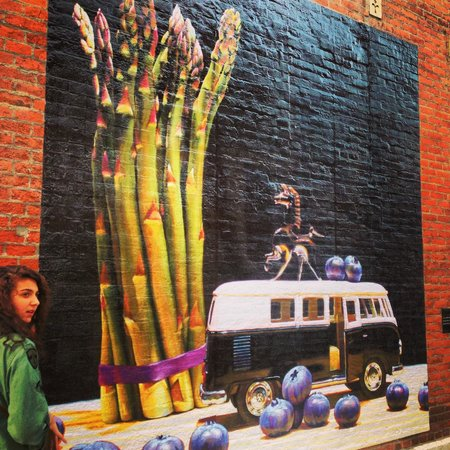 Short North Arts District: One of many murals in Short North