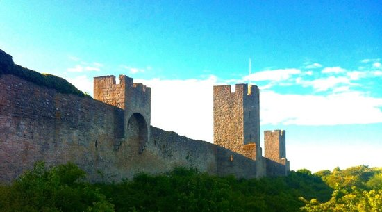 Visby Golfklubb: The ancient city walls of Visby