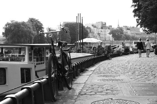 Photo Tours In Paris: Along the Seine