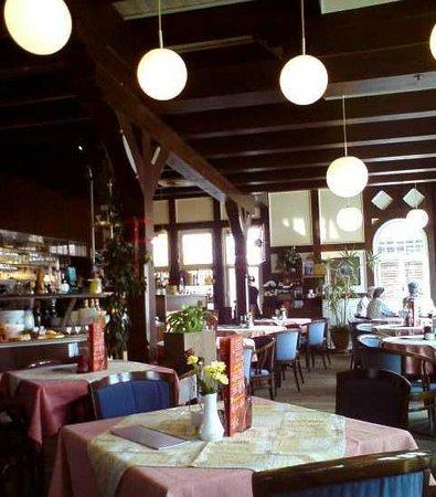 Cafe Bad König