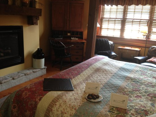 Woolverton Inn: Comfy bed and fireplace, plus surprise treats!
