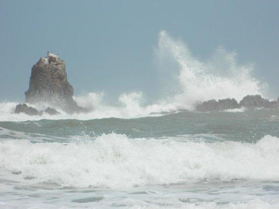 Пляж Легзира: волны