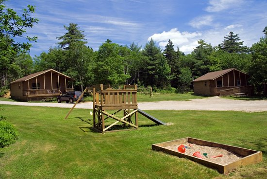 Ingonish Chalets: Play area