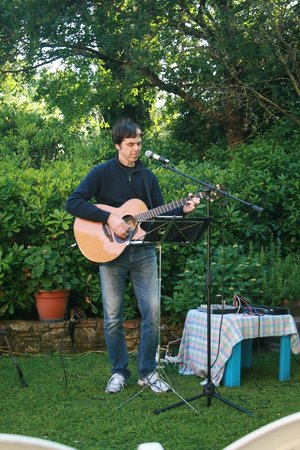 La Valle: Music in the GArden