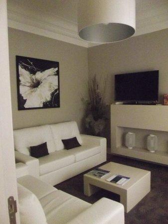 Castilho House: Sala de TV