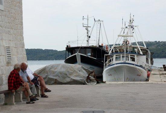 Apartments Amor: old fishermen