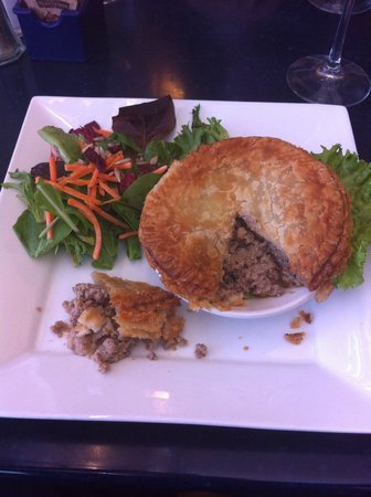 Prairie Ink Restaurant & Bakery : Tourtiere