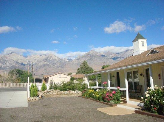 "Independence Inn Motel: View of ""Inn"""