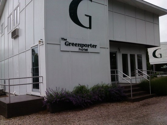 The Greenporter Hotel: The Entrance