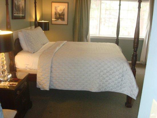 Cinnamon Bear Inn: Bedroom