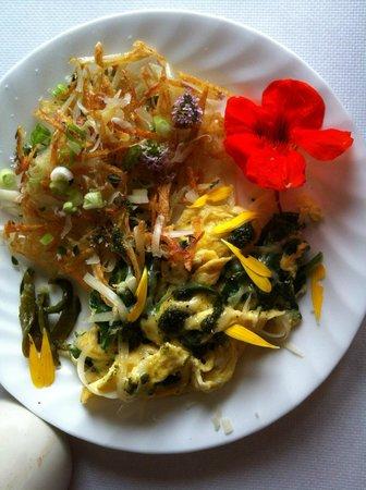 Grey Whale Inn: Our wonderful breakfast