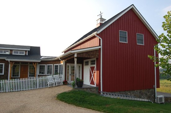 Zion Springs Bed & Breakfast: adorable Barn that you sleep in...very modern inside and clean and comfortable