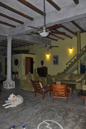 Casa Cangrejal B&B Hotel: Lounging In Main Building