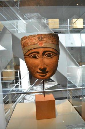 Barcelona Egyptian Museum : Poco, pero bien presentado
