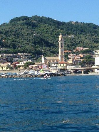 Hotel Corallo: Moneglia dal mare