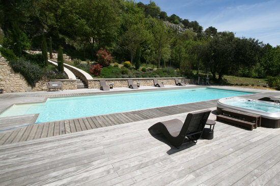 la piscine 17x6 chauffee avec jacuzzi 6 places photo de With location vacances luberon avec piscine 7 la piscine 17x6 chauffee avec jacuzzi 6 places photo de