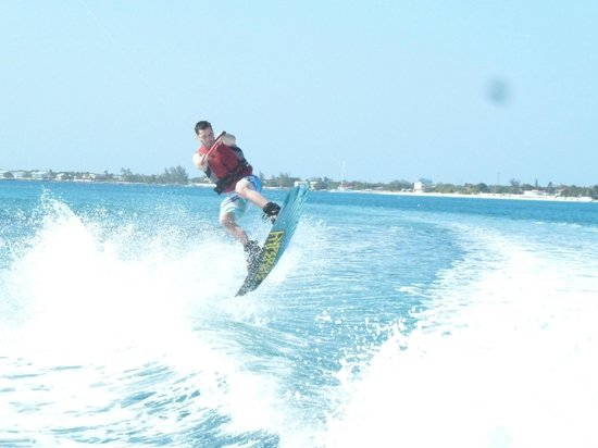 Wakeboard Cayman: Great way to tour 7-mile beach!