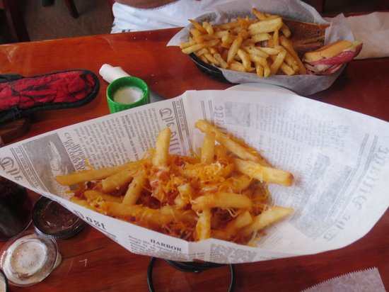 Ricky T's : Bacon & cheese fries